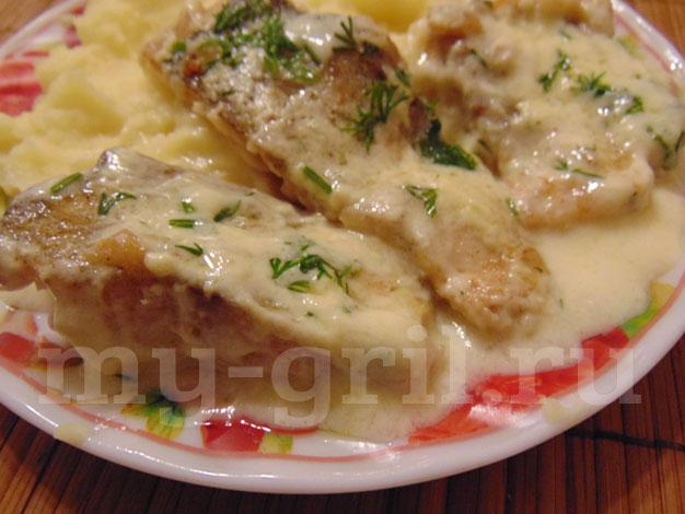 Филе минтая с картошкой и сметаной 1